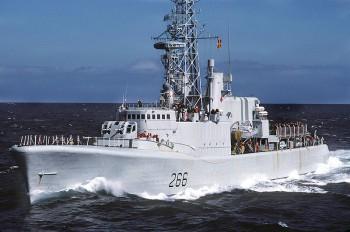фрегат канадского вмф HMCS Nipigon (F-266)