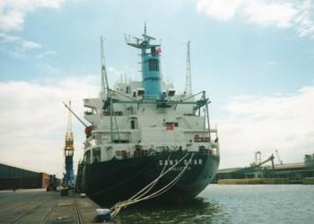 Валета в порту. Нелегальные иммигранты из восточной Европы
