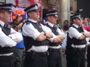 Канадские полицейские.