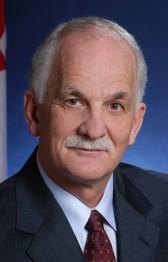 Федеральный министр общественной безопасности Вик Тоюз