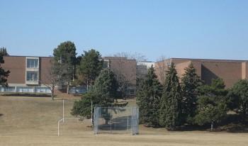 Школа Берчмаунт в Торонто Birchmount Park Collegiate Institute Toronto