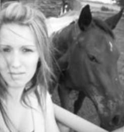 На западе Манитобы недалеко от границы с Саскачеваном в городке Суон Ривер 17-летний юноша застрелил 16-летнюю подругу