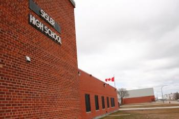 школа Манитоба Канада 18 лет