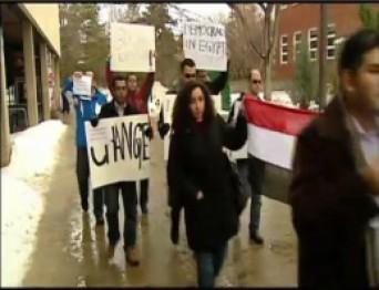 протестуют против президента Египта Мубарака, Канада