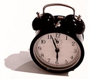 будильник опаздание на работу отмазка проспал канадцы американцы