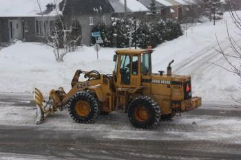 ребёнок снег сугроб Монреаль Канада