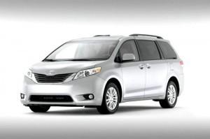 минивэн Toyota Sienna купить в Канаде Тойота Сиенна