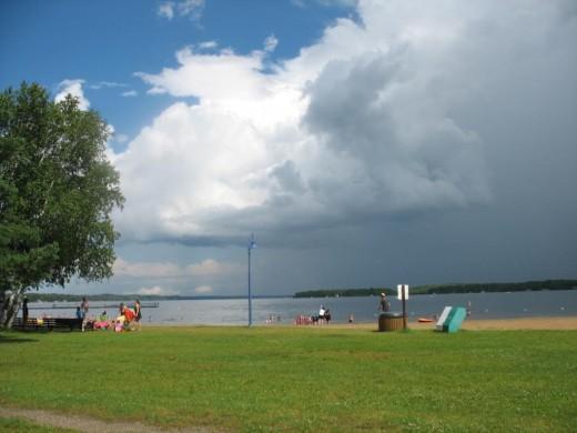 Озеро и пляж Фалькон Лэйк Манитоба