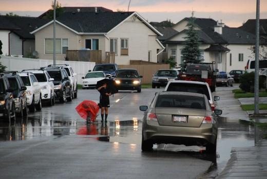 Дождь в Калгари, Альберта, Канада